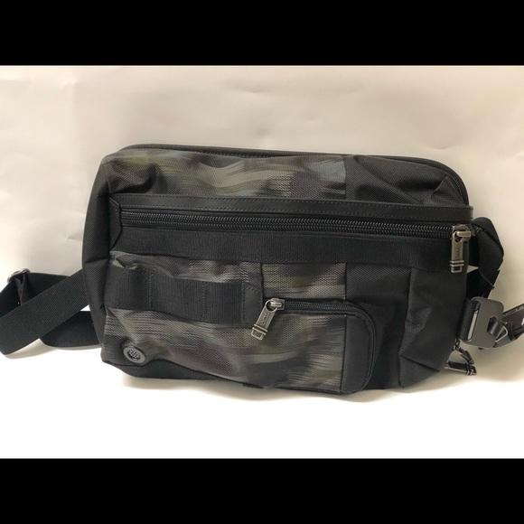 Tumi Other - Tumi Morado sling pack